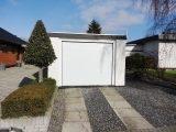 Белые гаражные ворота Alutech Trend